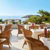 all-inclusive-dining-meli-palace