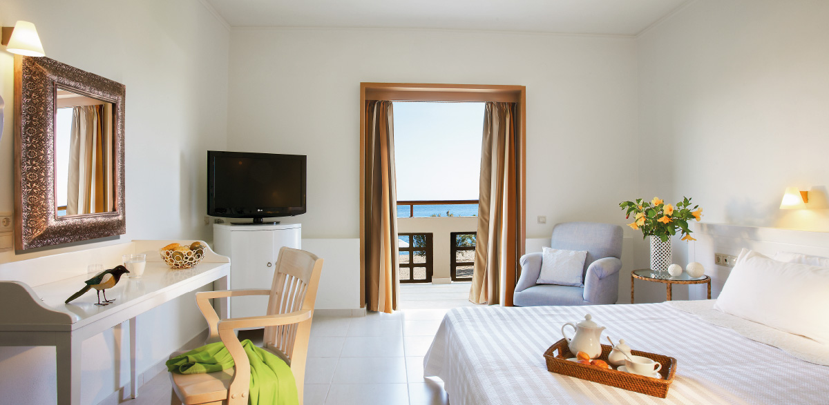 03-meli-palace-guestroom-with-sea-view